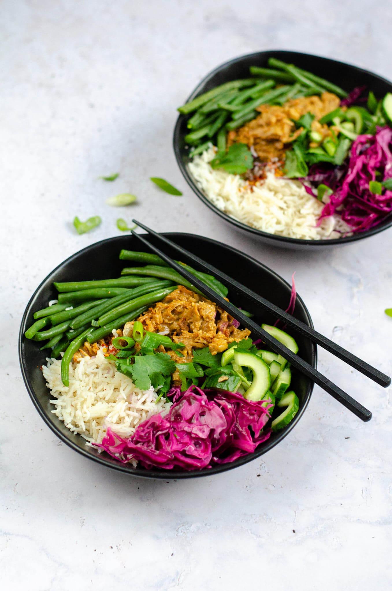 Vegan rendang bowl met kokos rijst