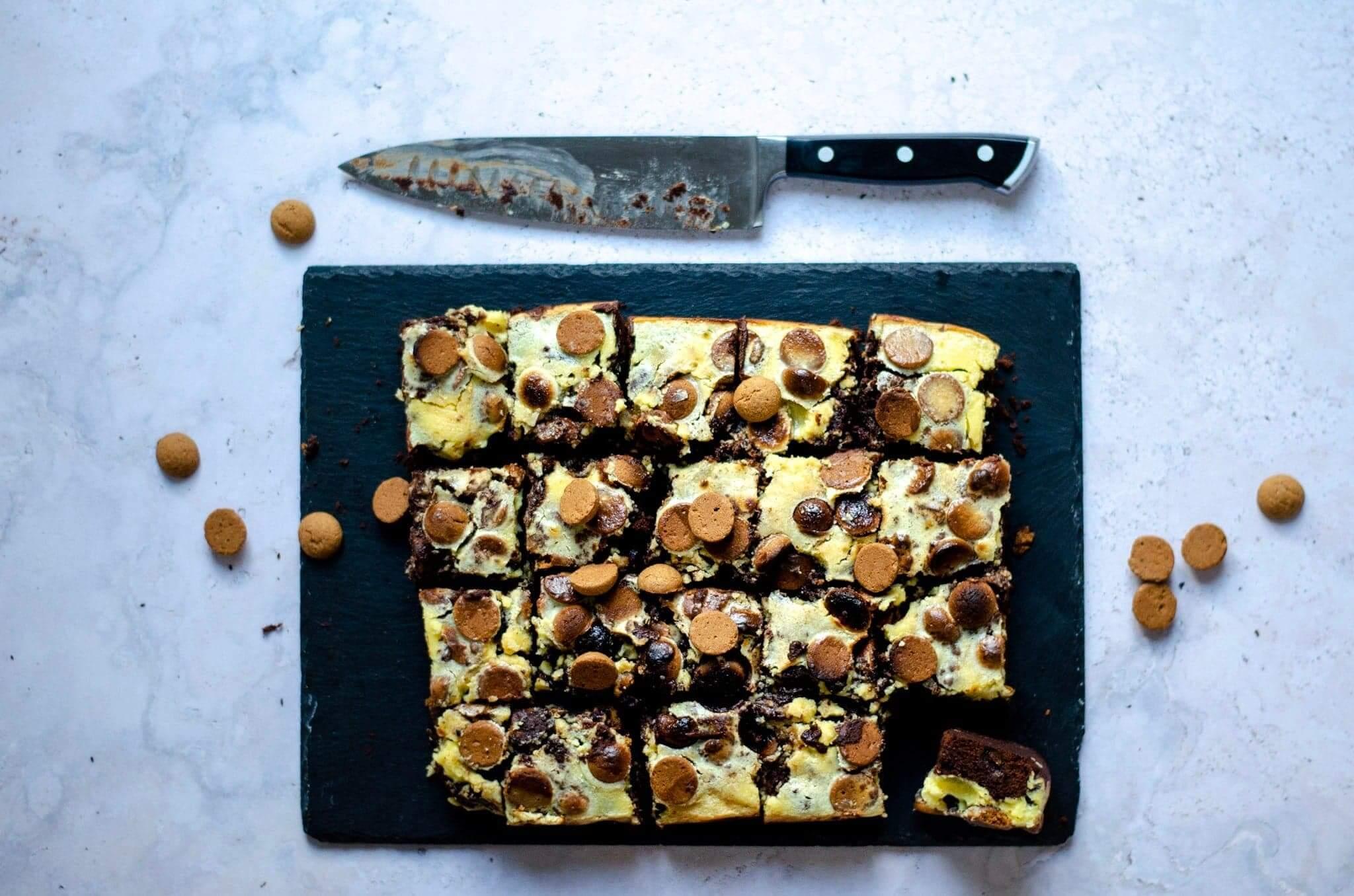 Brownie met cheesecake en kruidnoten