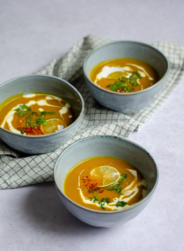 Curry- pompoensoep met wortel