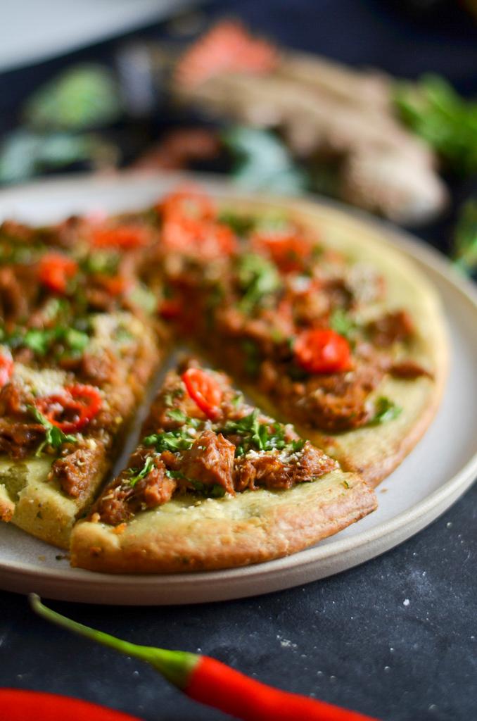 vegan rendang pizza