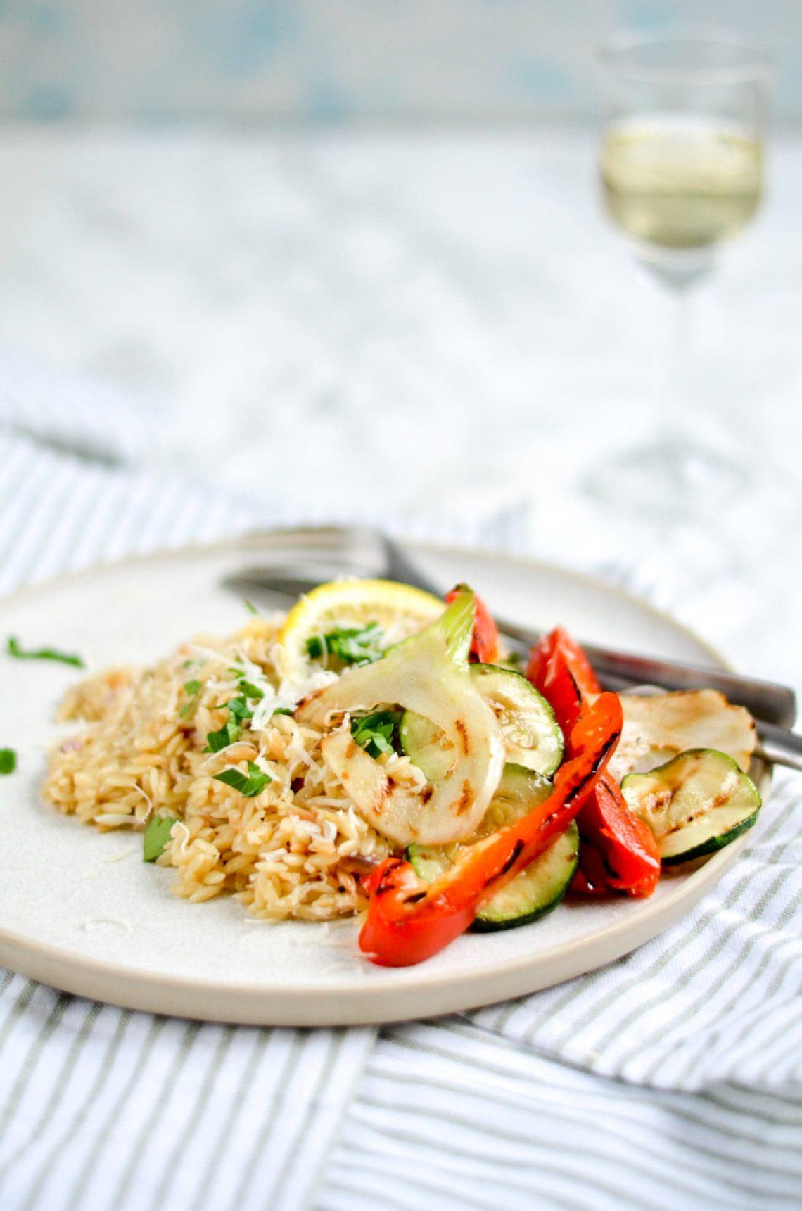 Orzo met gegrilde groentes